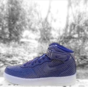 Men's Nike Air Force 1 Mid 07 LV8 (Size 9.5)